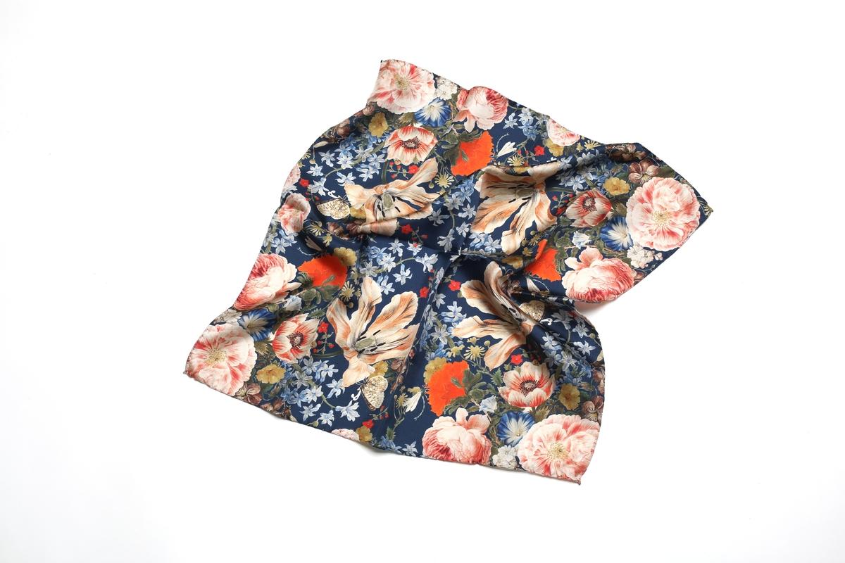 Silk scarf Merian: Chinese Vase