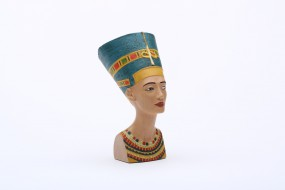 Coloured replica: Bust of Nefertiti handpainted