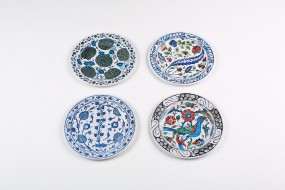 Tin plates Iznik, set with 4 pieces
